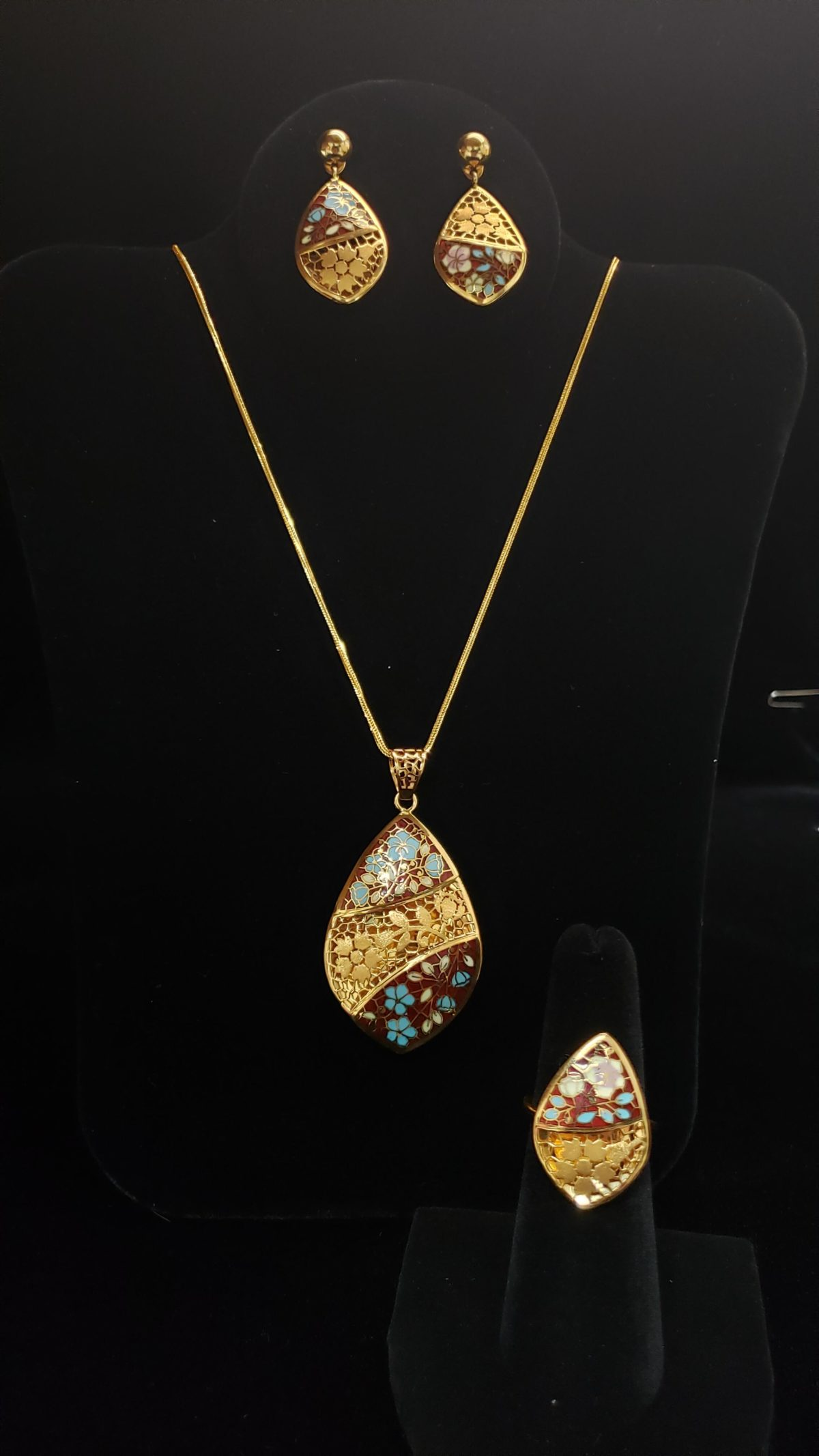 Leena's-Gold-Necklace-set